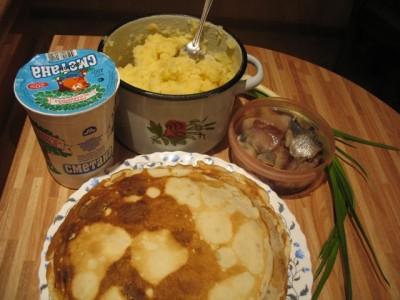 Рецепт Блинчики с картошкой и луком