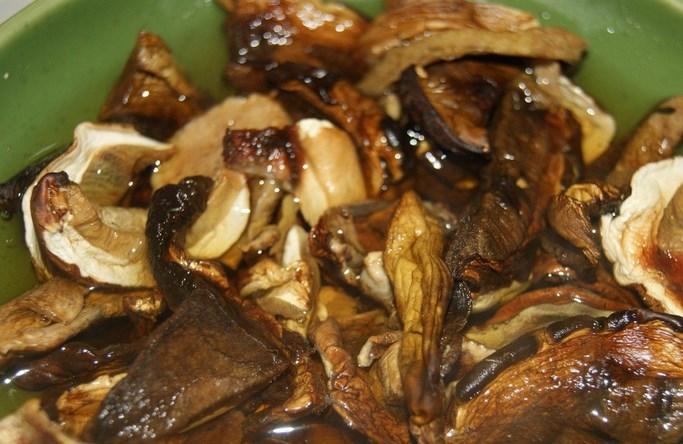 Маффины с курицей и грибами - фото шаг 2