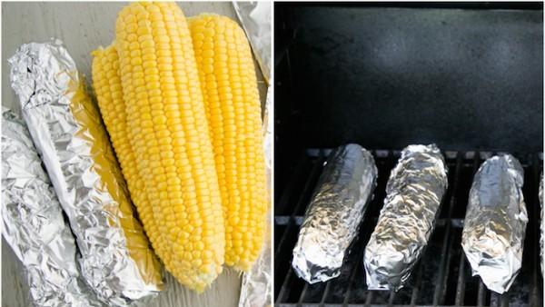 Кукуруза в фольге на гриле - фото шаг 4