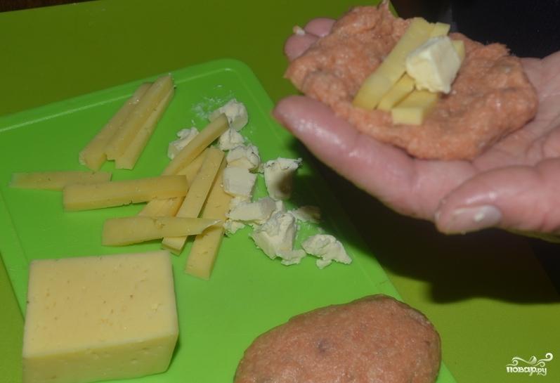 Рыбные котлеты с сыром - фото шаг 4