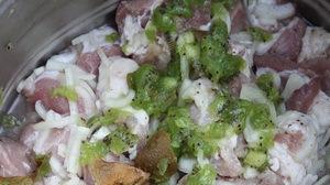 Шашлык из телятины с киви - фото шаг 2