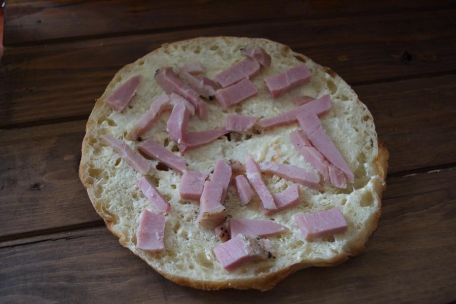 Толстый лаваш с сыром и бужениной - фото шаг 3