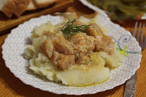 Рыба в сметанном соусе - фото шаг 5