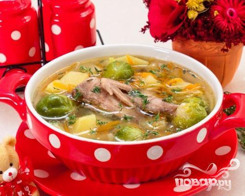 Суп с перепелами, брюсельской капустой и картофелем