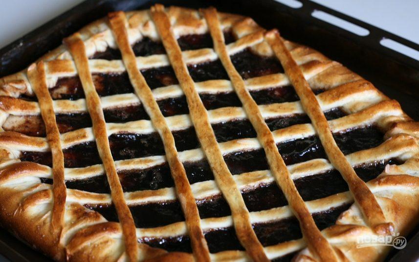 Пирог с повидлом из дрожжевого теста