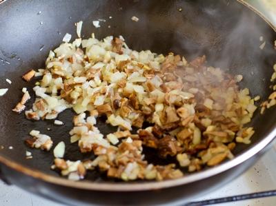 Рецепт Пирожки с грибами из слоеного теста