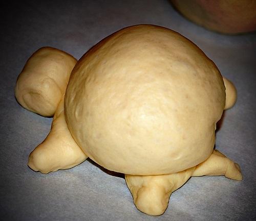 Красивые булочки из дрожжевого теста - фото шаг 9