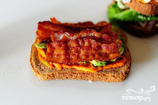 Сэндвич с беконом, ветчиной и индейкой - фото шаг 6