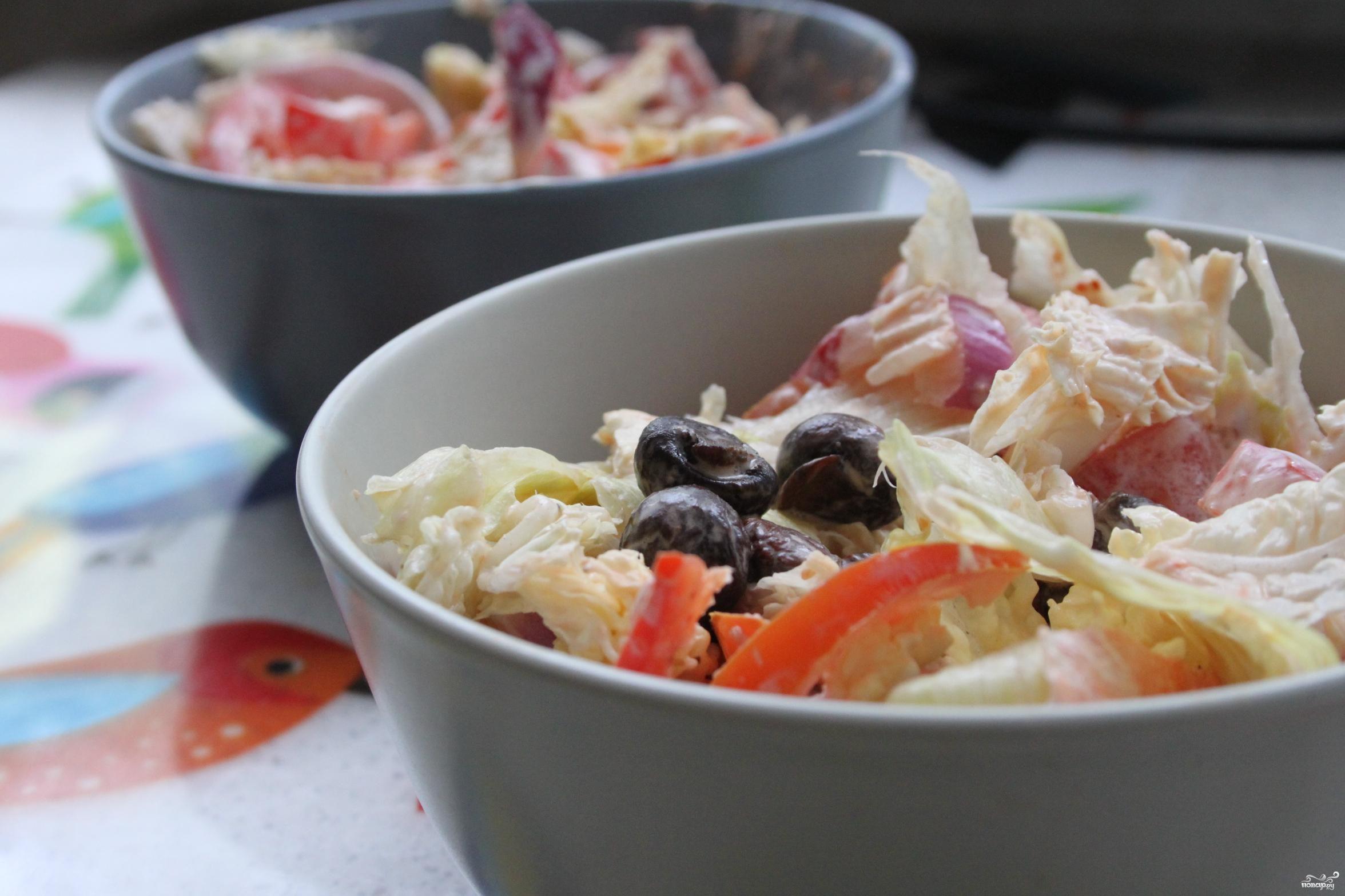 Легкий салат с лисичками и шампиньонами