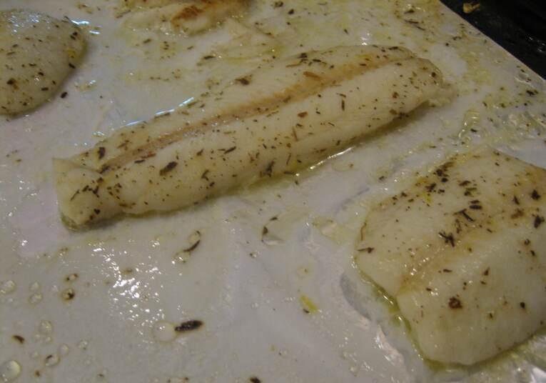 Рыба, запеченная в сливочном соусе - фото шаг 3