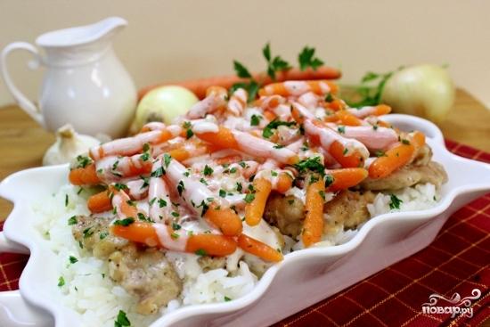 Курица с морковью на сковороде - фото шаг 8