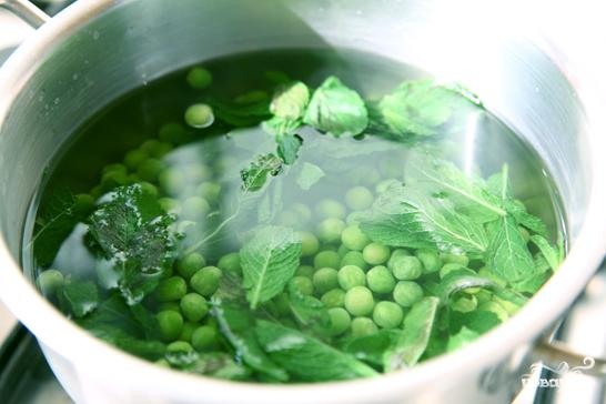 Флан из зеленого горошка - фото шаг 1