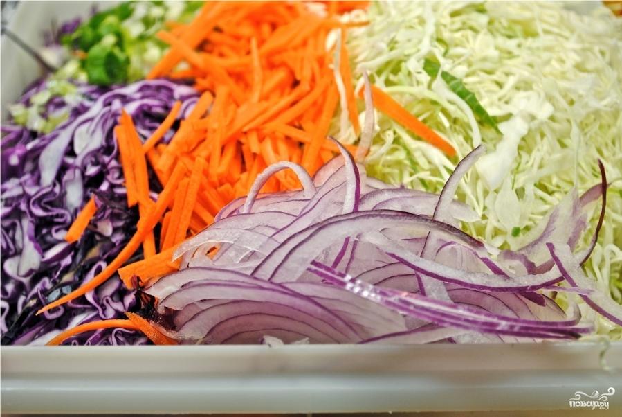 Овощной салат с тыквенными семечками - фото шаг 2