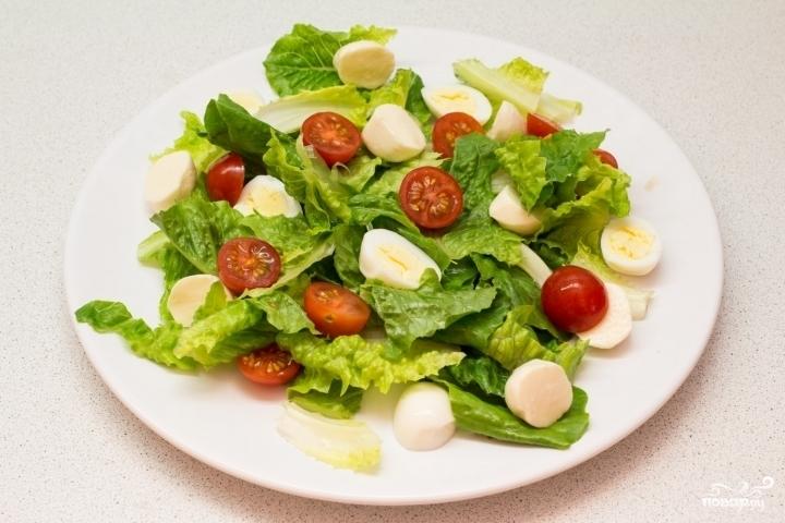 Салат из креветок с перепелиными яйцами - фото шаг 5