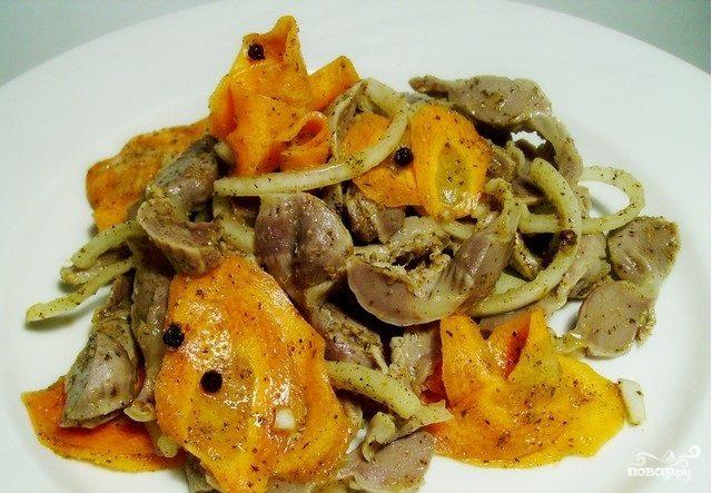 Куриные желудки по-корейски с морковью