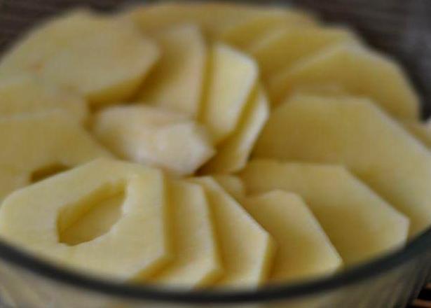 Картофельная запеканка с колбасой - фото шаг 2
