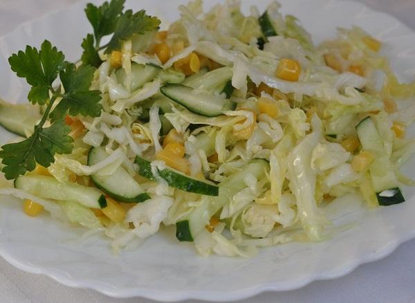 салат из капусты кукурузы