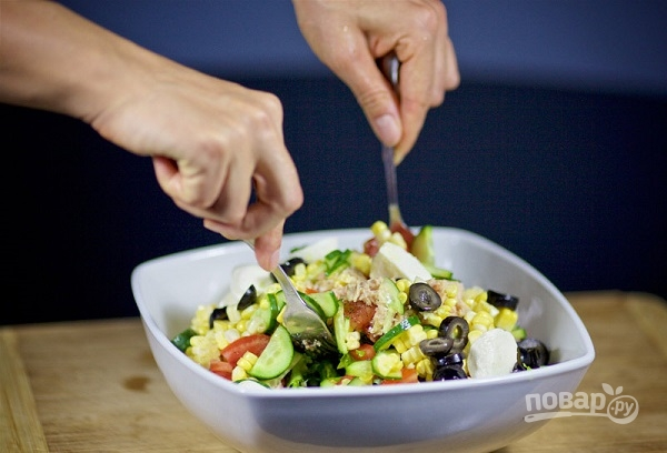Салат с моцареллой - фото шаг 9