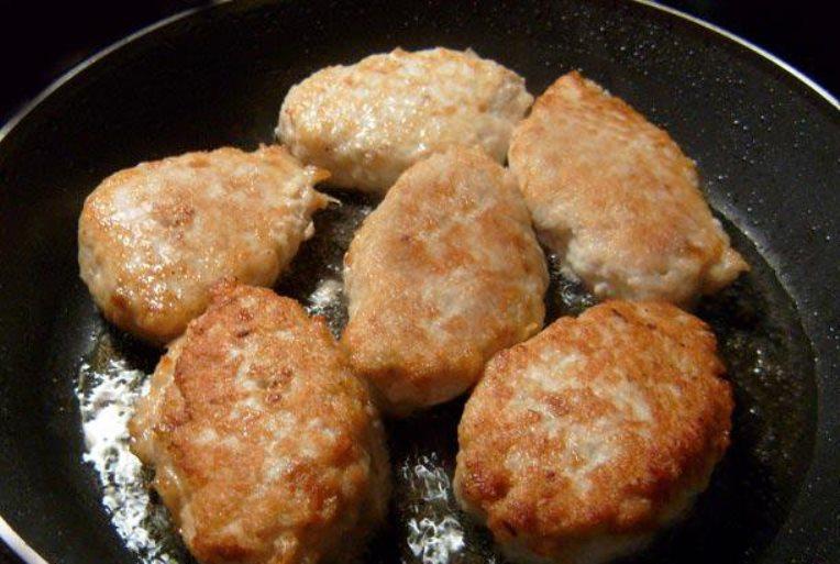 Рецепт биточки рецепт пошагово на сковороде пышные