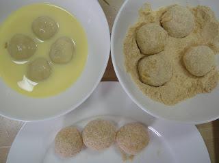 Сырные шарики в кляре - фото шаг 7