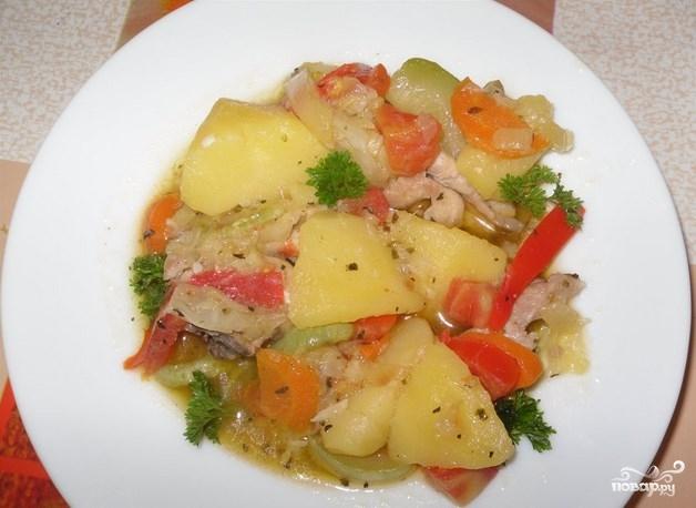 Овощной соус с кабачками и картошкой и мясом