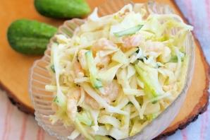 Салат с креветками и йогуртом