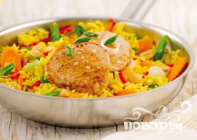 Рецепт Свиные котлеты с рисом и овощами