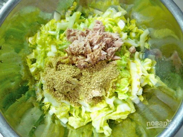 салат из тунца с пекинской капустой
