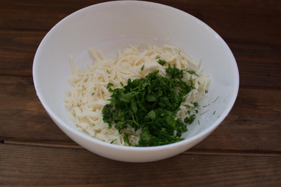 Пирог с зеленью и брынзой - фото шаг 3