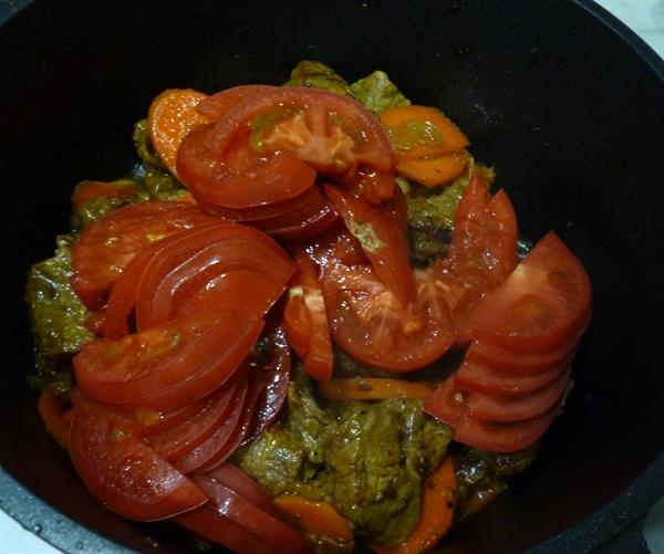 Говядина с овощами в казане - фото шаг 6