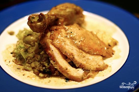 Курица, фаршированная брюссельской капустой - фото шаг 4
