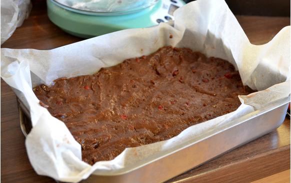 Рецепт Брусничный торт с белым шоколадом