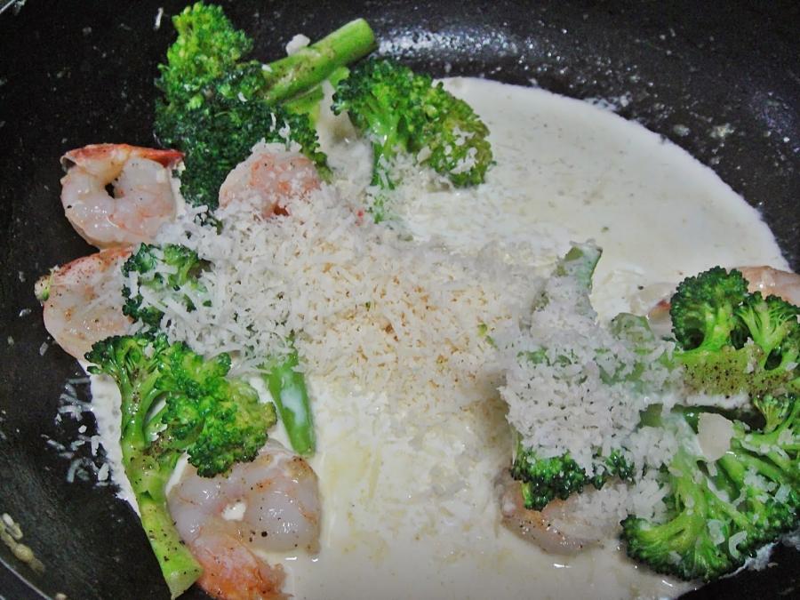 Паста с креветками и брокколи - фото шаг 3