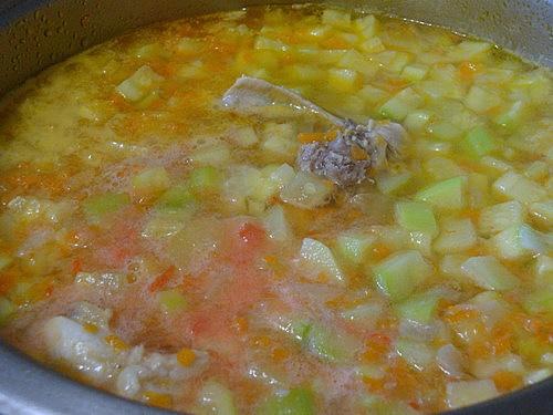 Куриный суп с кабачками - фото шаг 3