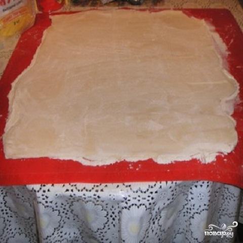 Мини пицца из слоеного теста - фото шаг 1