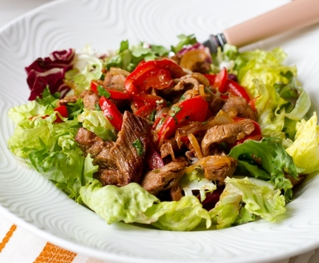 Салат из говядины и перца - фото шаг 7