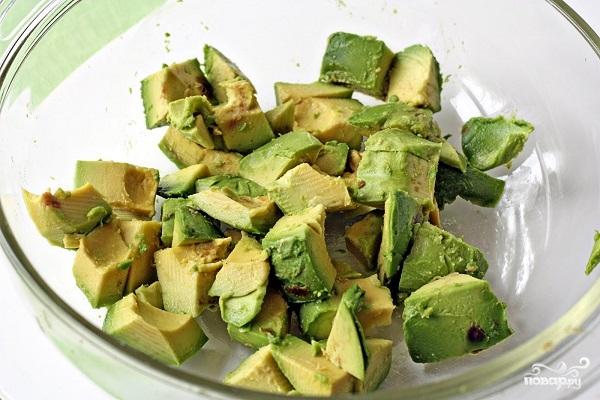 Салат с авокадо и моцареллой - фото шаг 2