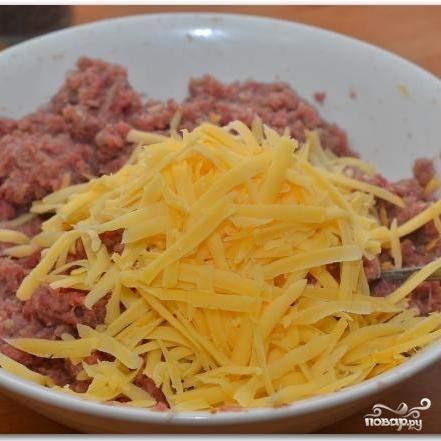 Говяжьи котлеты с сыром - фото шаг 4