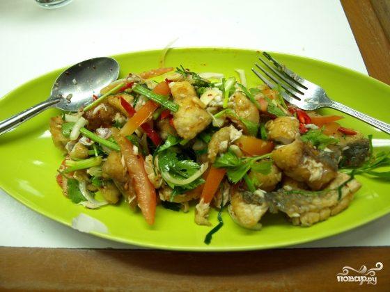 Рецепт Салат из жареной рыбы