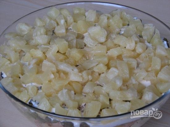Салат из ананасов и копченой курицы рецепт очень вкусный слоями 174