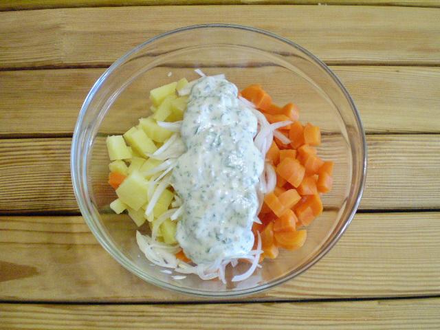 Салат из моркови и картофеля - фото шаг 8