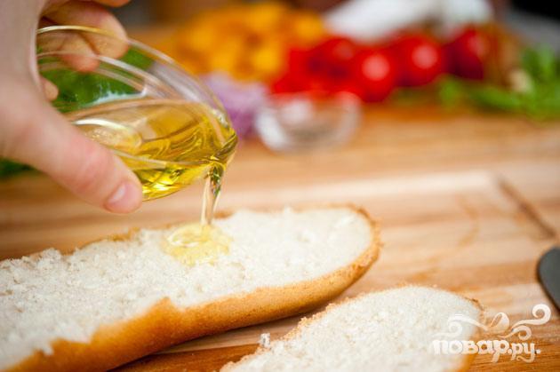 Салат с хлебом и помидорами - фото шаг 3