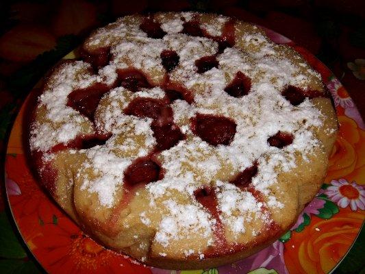 Пирог с клубникой в мультиварке - фото шаг 10