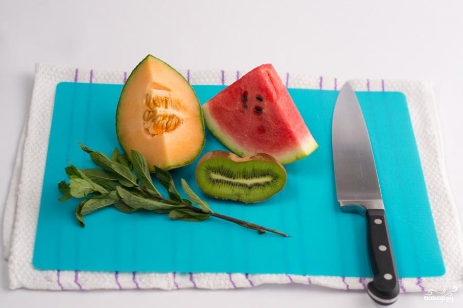Фруктовый салат кубиками - фото шаг 1