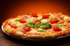 Пицца в домашних условиях с колбасой, сыром и помидорами