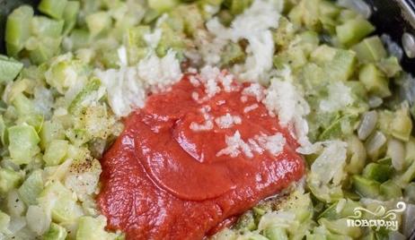 Кабачковая икра без моркови с томатной пастой - фото шаг 4