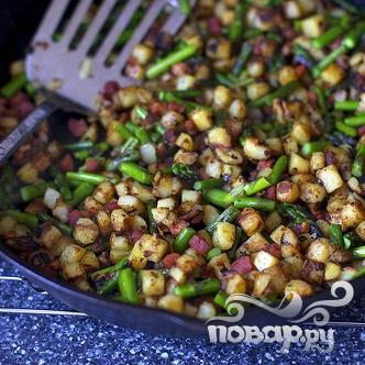 Жареный бекон с картофелем и спаржей - фото шаг 2