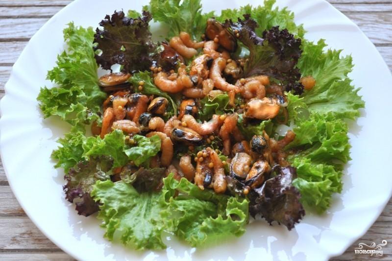 Салат с мидиями и креветками - фото шаг 6
