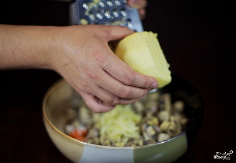 Салат с грибами и крабовыми палочками - фото шаг 3