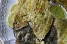 Обжаренные кусочки филе морского языка в томатном кисло-сладком соусе